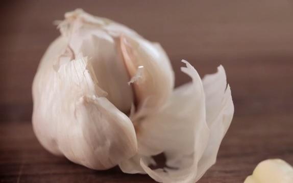 how-to-peel-garlic